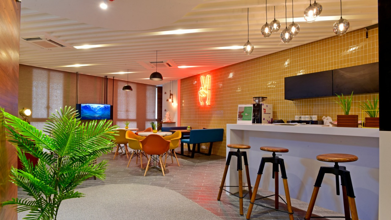 co-working spaces ahmedabad sg road highway